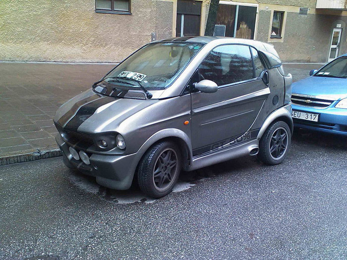 Funny Car Fails And Automotive Humor (38 Photos)