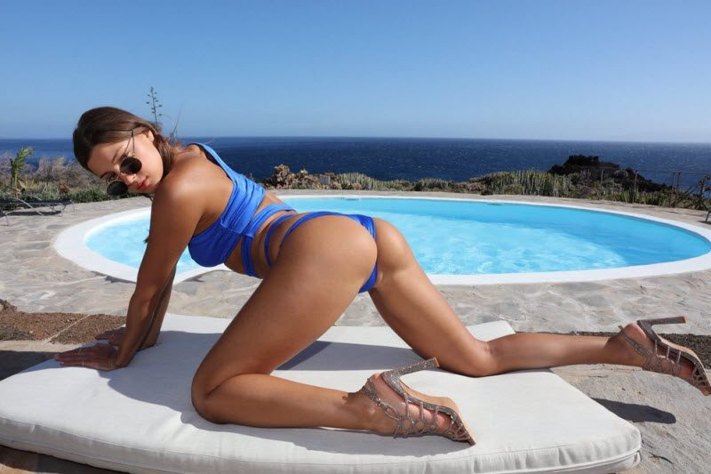 Hot Girls Like To Bend Their Back (32 Photos)