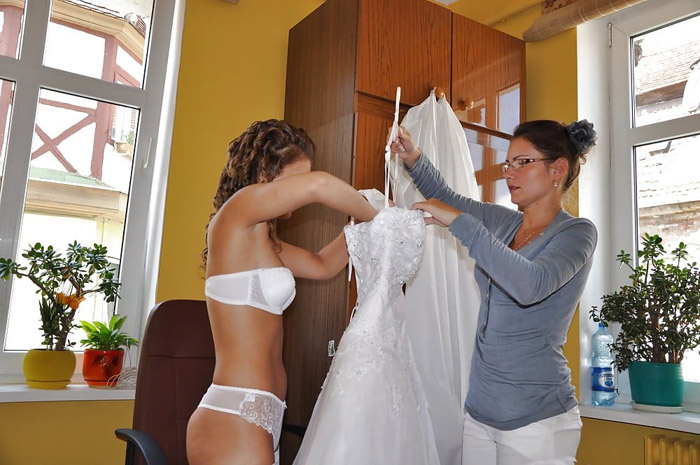 Brave Brides Getting Ready For Wedding (35 Photos)