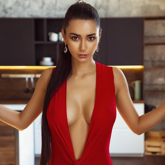 Girls With Very Outstanding Qualities (35 Photos)