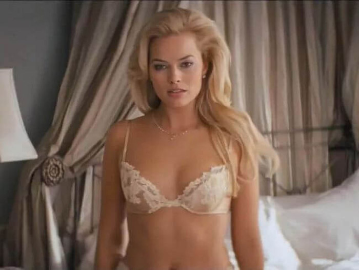 Margot Robbie Hot Bikini, Boobs And Butt Pictures (100 Photos)