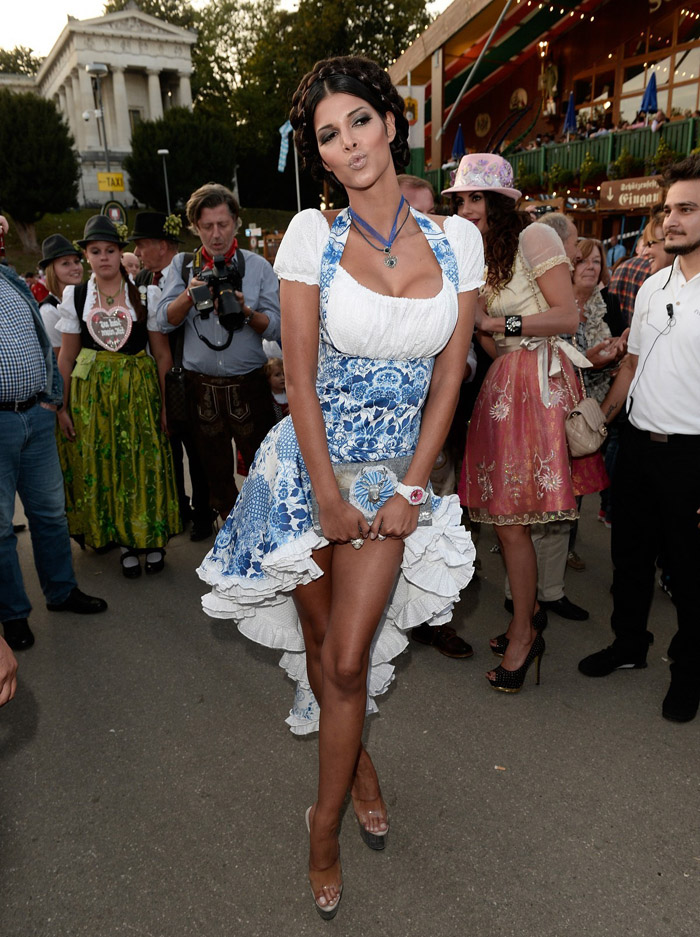 Pretty Hot Girls Of Oktoberfest 2019 (24 Photos)
