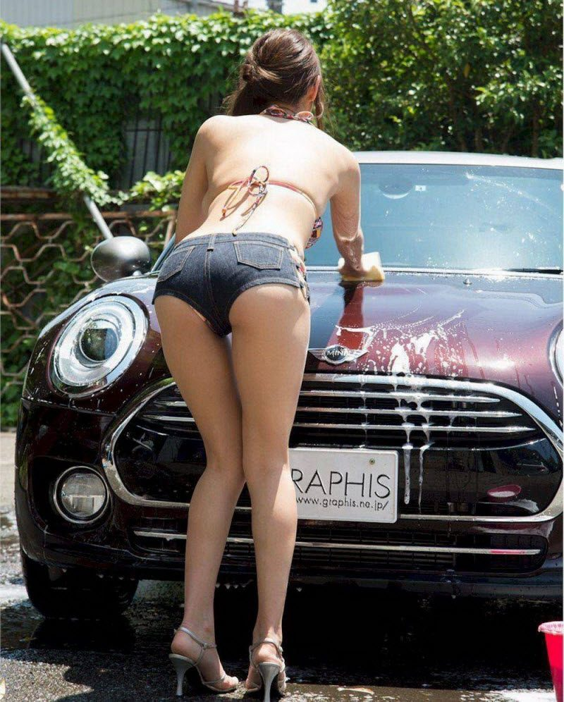 Funny Pictures With Pretty Hot Girls (40 Photos)