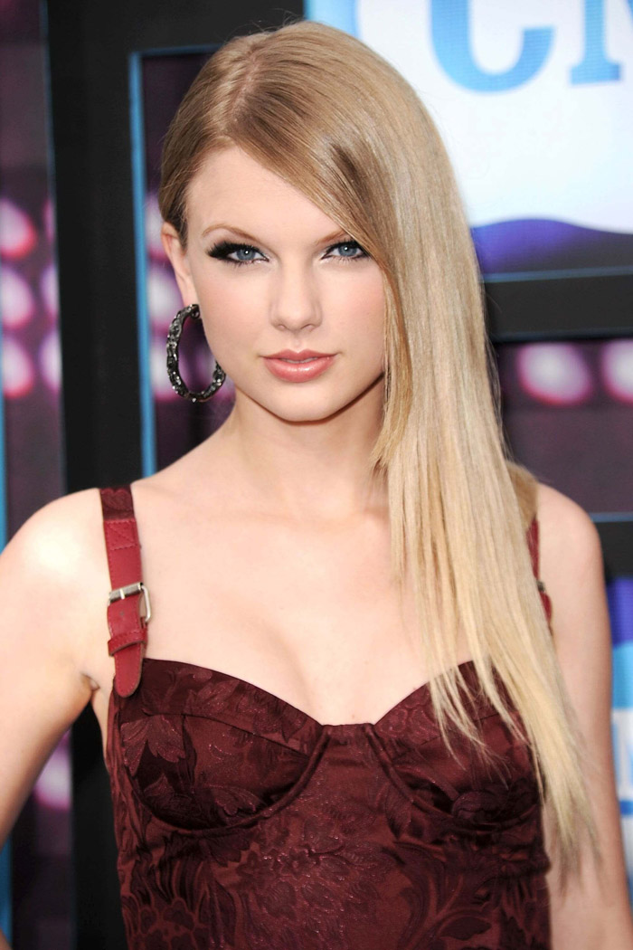 Taylor Swift Hot Bikini, Boobs And Butt Pictures (132 Photos)