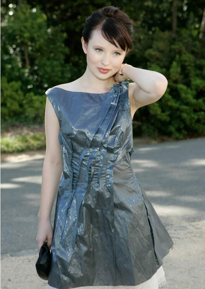 Emily Browning Hot Pictures, Bikini And Fashion Style (49 Photos)