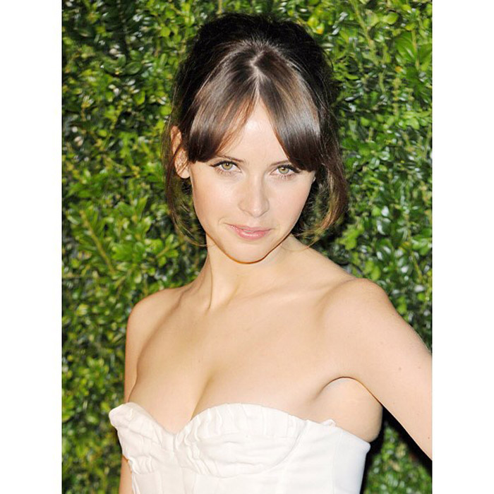 Felicity Jones Hot Pictures And Fashion Style (49 Photos)