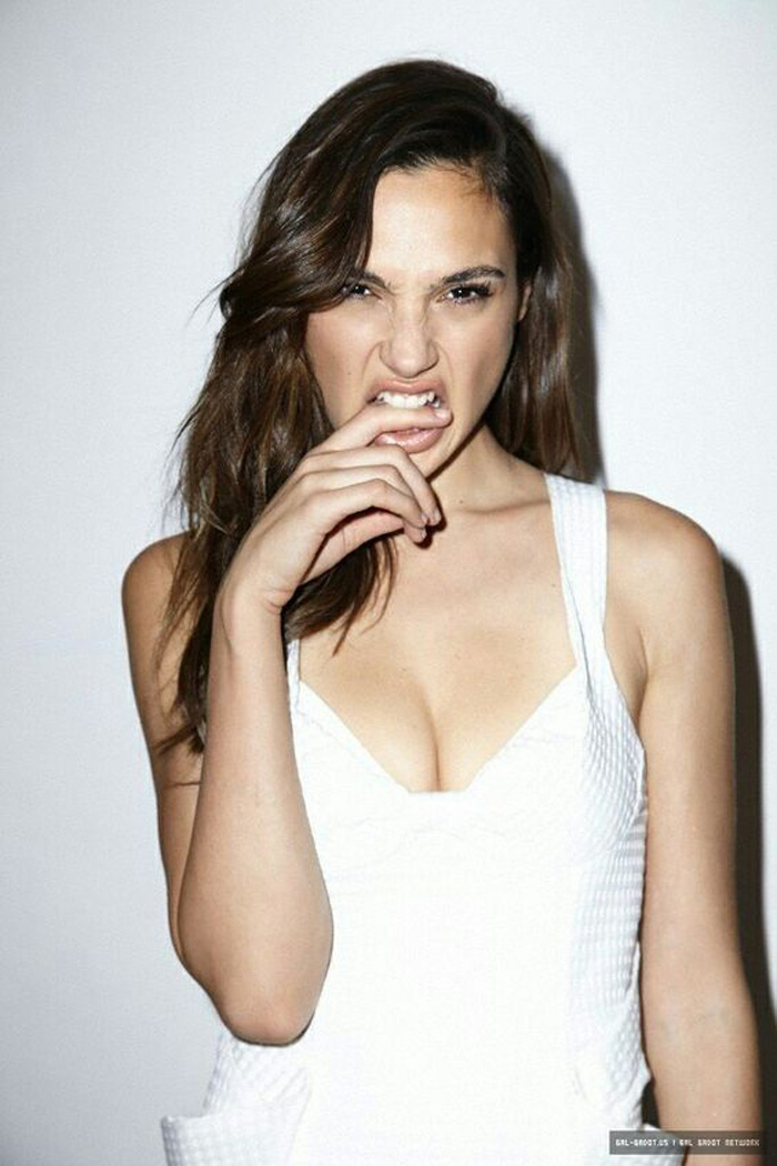Gal Gadot Hot Pictures, Bikini And Fashion Style (49 Photos)