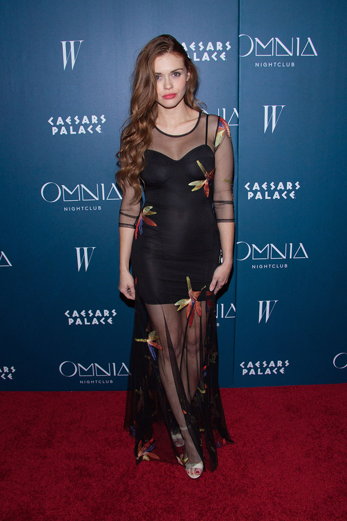 Holland Roden Hot Pictures, Bikini And Fashion Style (49 Photos)