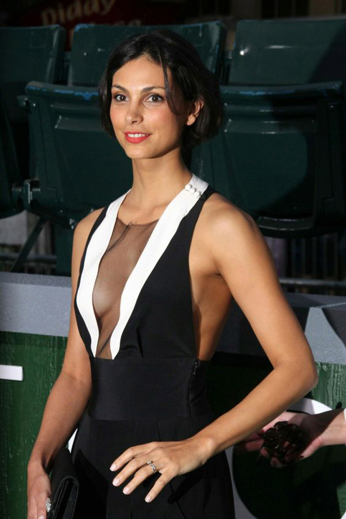 Morena Baccarin Hot Pictures, Bikini And Fashion Style (49 Photos)