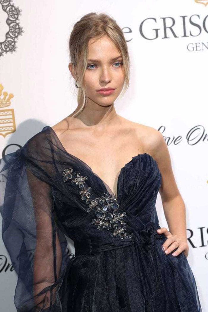 Sasha Luss Hot Pictures, Bikini And Fashion Style (49 Photos)