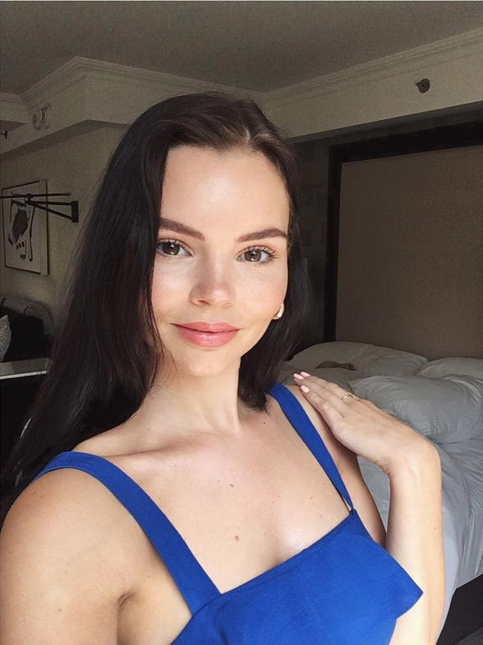 Eline Powell Hot Pictures, Bikini And Fashion Style (49 Photos)