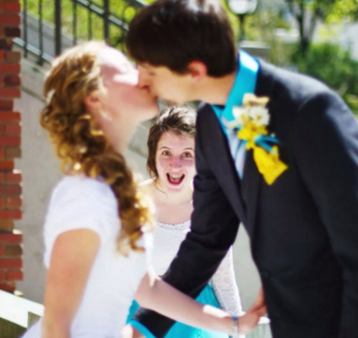 Funny Pictures That Were Taken At Just The Right Time (43 Photos)
