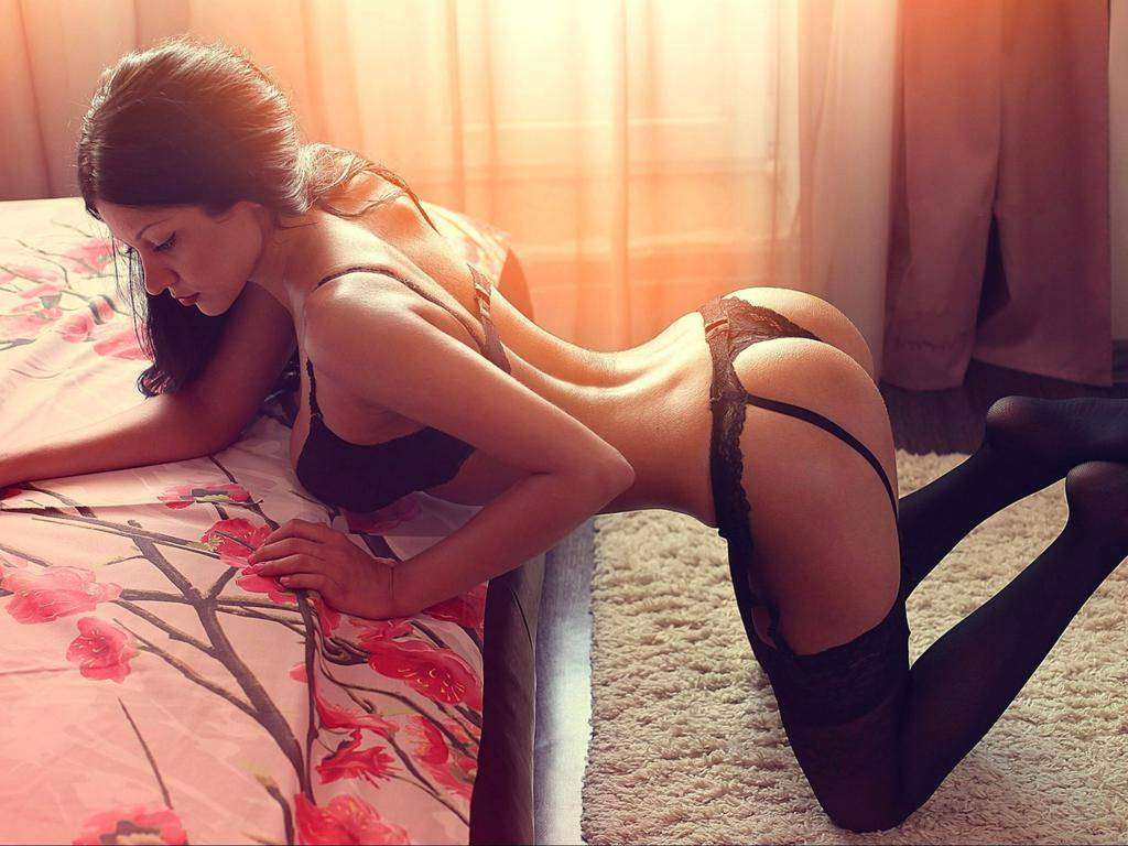 Pretty Hot Girls In Lingerie (65 Photos)