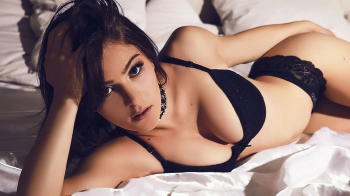 Pretty Hot Girls In Lingerie (35 Photos + 5 GIFs)
