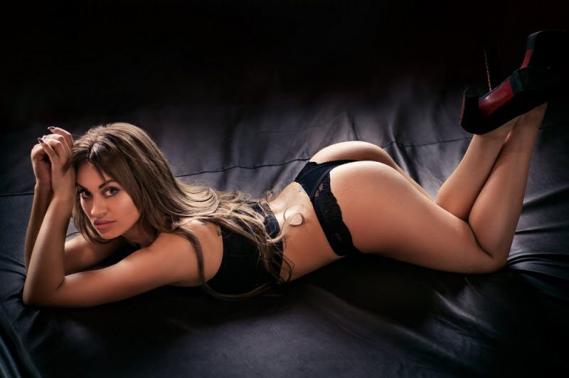 Hot Girls Like To Bend Their Back (36 Photos)