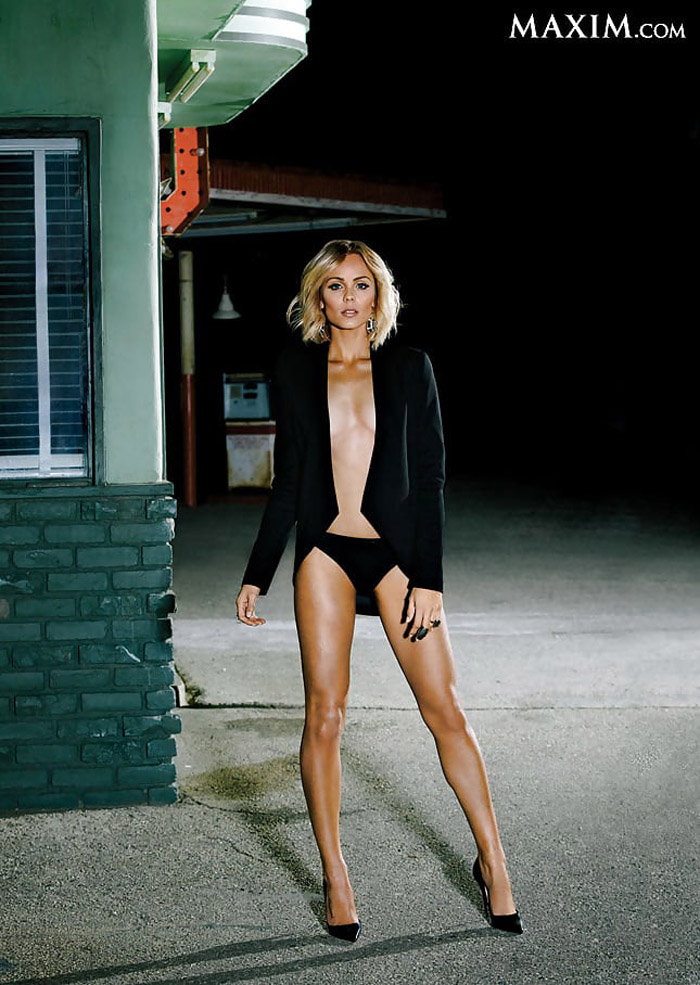 Laura Vandervoort Hot Pictures, Bikini And Fashion Style (49 Photos)