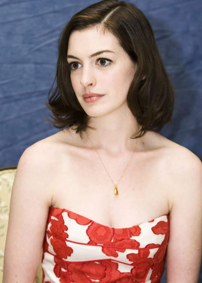 Anne Hathaway Hot Pictures, Bikini And Fashion Style (48 ...