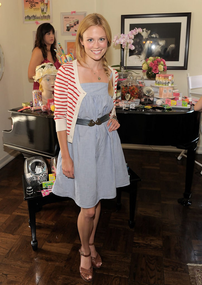 Claire Coffee Hot Pictures, Bikini And Fashion Style (49 Photos)