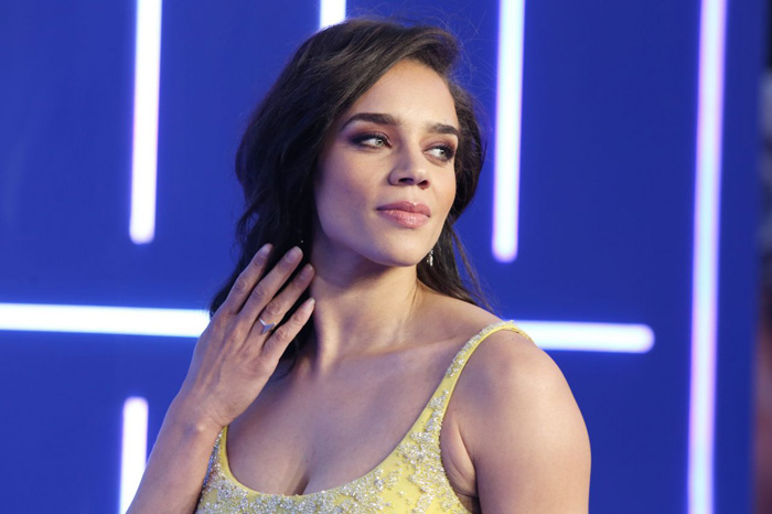 Hannah John-Kamen Hot Pictures, Bikini And Fashion Style (37 Photos)