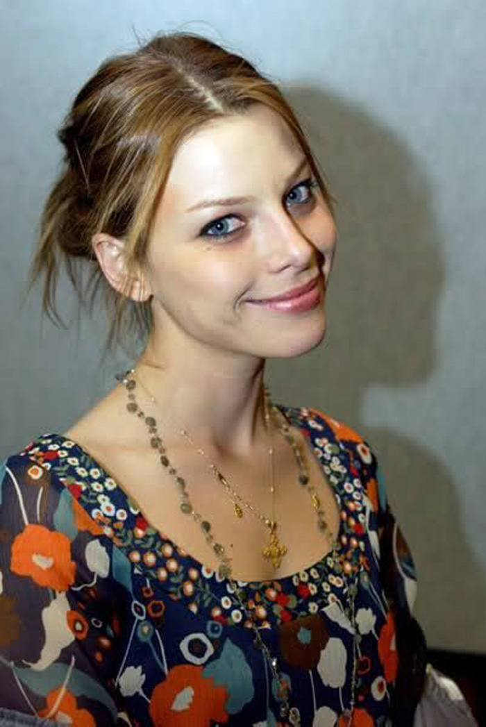 Lauren German Hot Pictures, Bikini And Fashion Style (39 Photos)