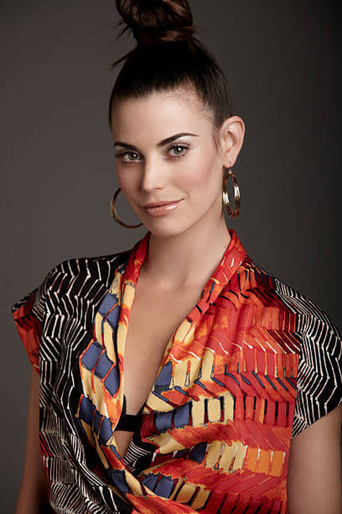 Meghan Ory Hot Pictures, Bikini And Fashion Style (49 Photos)