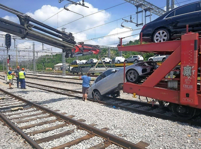 Funny Epic Fails Can Happen To Everyone (44 Photos)