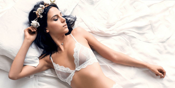 Pretty Hot Girls In Lingerie (40 Photos)