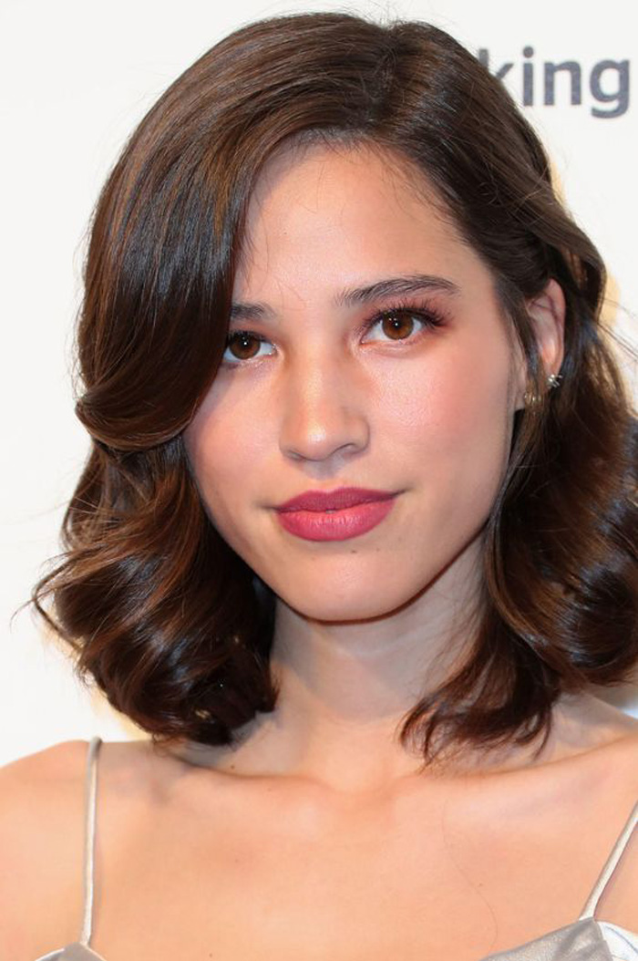 Kelsey Asbille Hot Pictures, Bikini And Fashion Style (49 Photos)