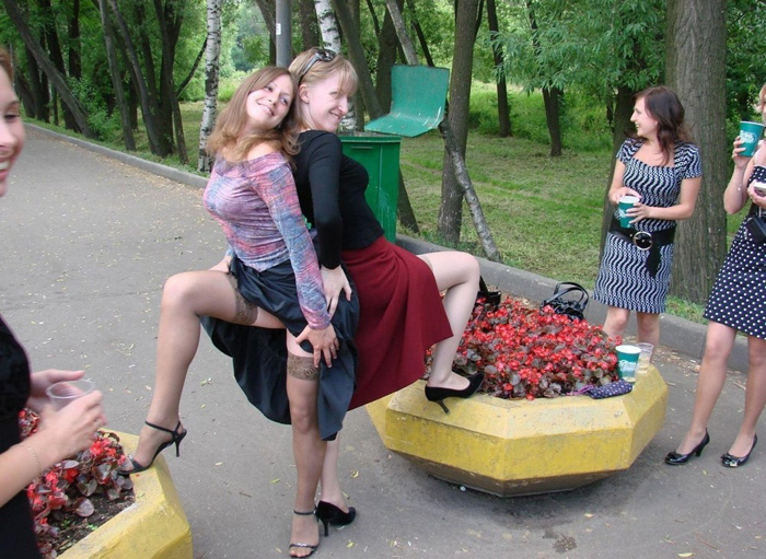 Most Embarrassing Moments Caught On Camera (32 Photos)