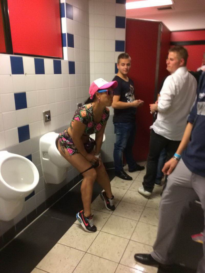 Funny Weird People Who Like To Look As Stupid (35 Photos)
