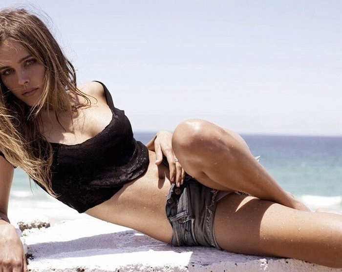 Isabel Lucas Hot Pictures, Bikini And Fashion Style (49 Photos)