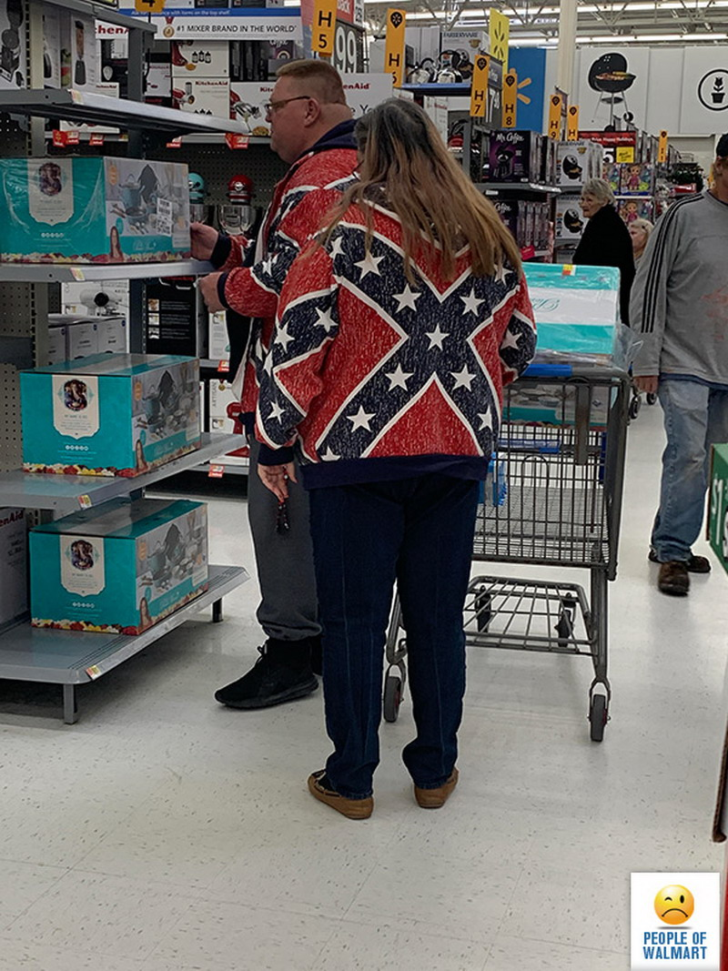 Weirdest People Of Walmart (33 Photos)