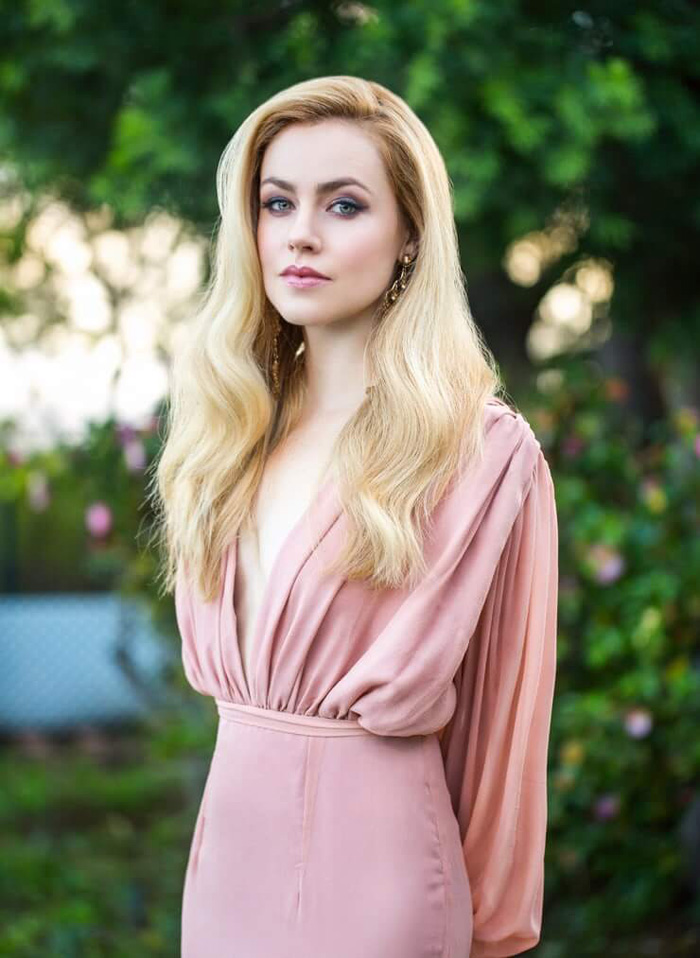 Amanda Schull Hot Pictures, Bikini And Fashion Style (39 Photos) - Page 3 of 4 - The Viraler