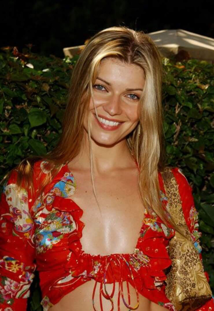 Ivana Milicevic Hot Pictures, Bikini And Fashion Style (49 Photos)
