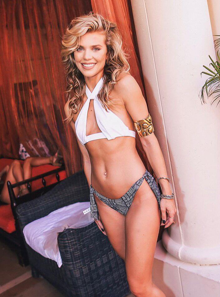 AnnaLynne McCord Hot Pictures, Bikini And Fashion Style (49 Photos)