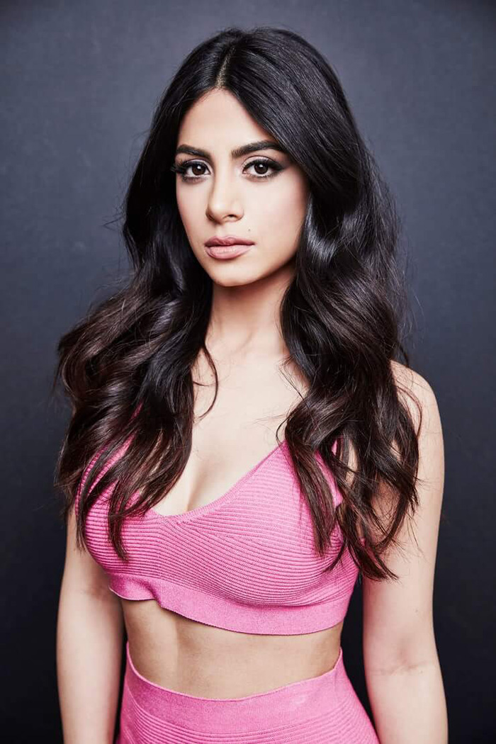 Emeraude Toubia Hot Pictures, Bikini And Fashion Style (49 Photos)