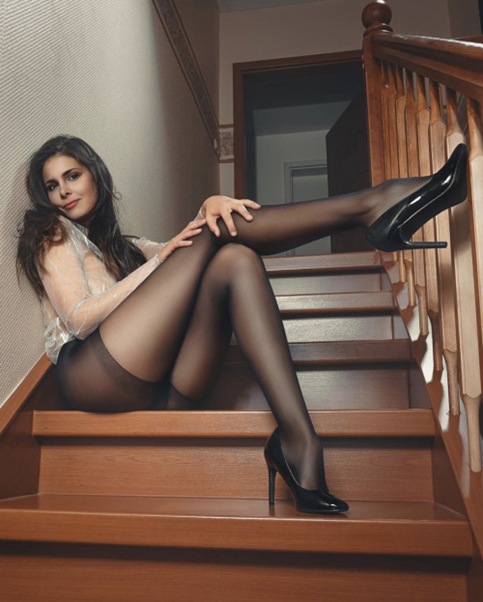 Pretty Hot Girls In Stockings (48 Photos)