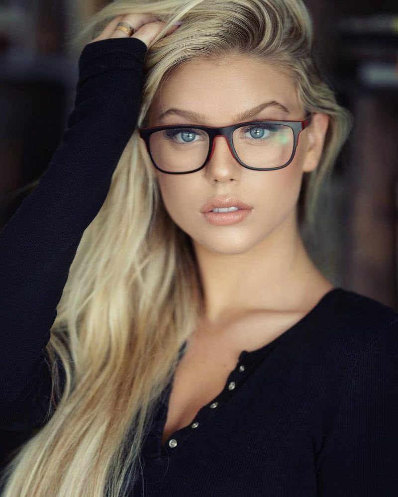 Pretty Hot Girls With Glasses (35 Photos) - The Viraler