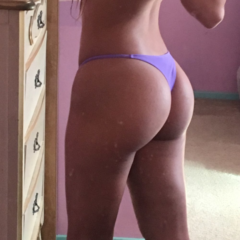 Hot Girls Try On Underwear Bought In Online Store (35 Photos)