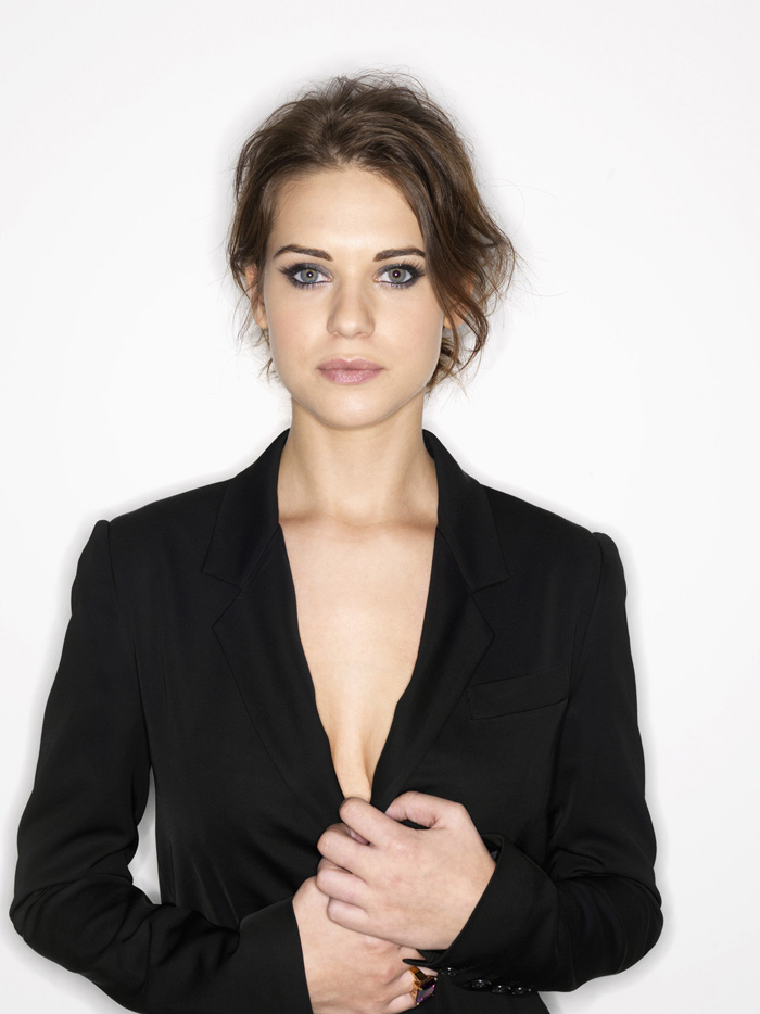 Lyndsy Fonseca Hot Bikini, Boobs And Butt Pictures (38 Photos)