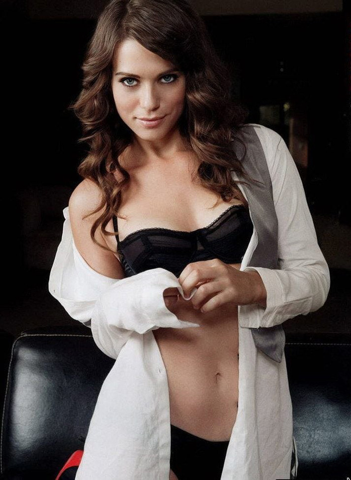 Lyndsy Fonseca Hot Bikini, Boobs And Butt Pictures (38