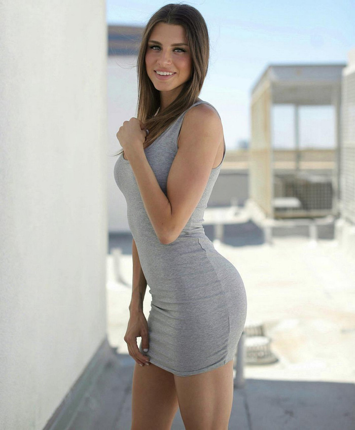 Hot Girls In Tight Dresses Are Sexy (35 Photos)