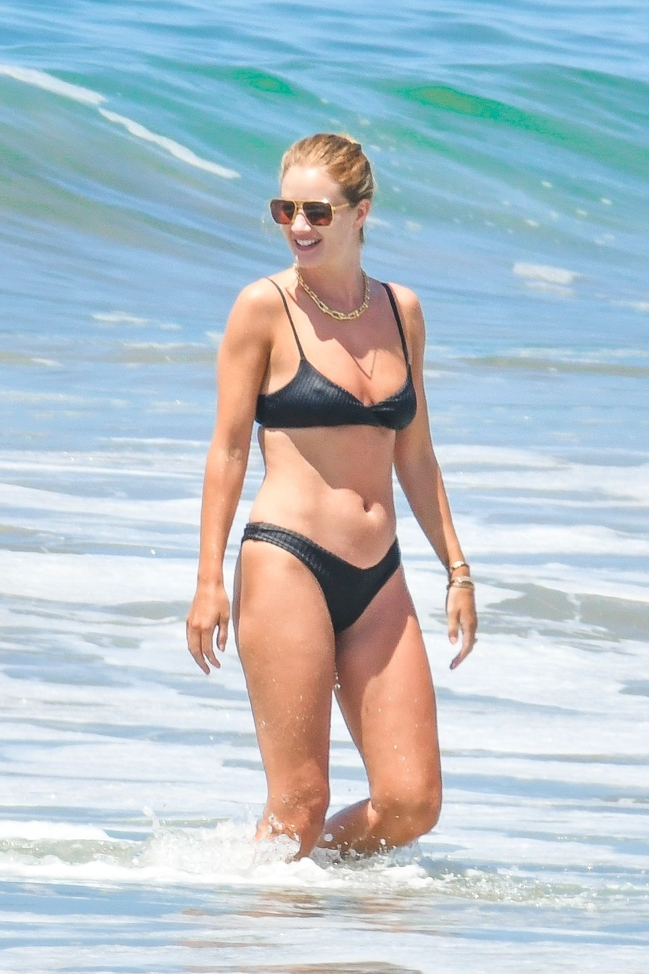 Rosie Huntington-Whiteley Bikini Nipple Pokies! (NSFW)