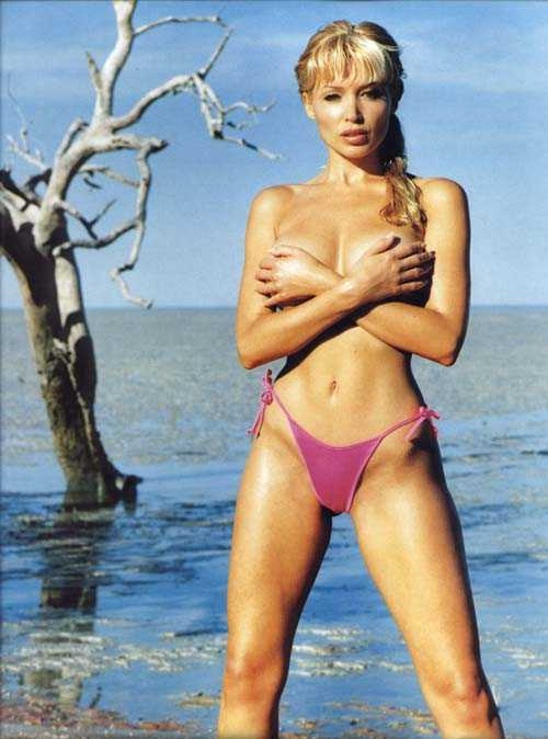Dannii Minogue Hot Pictures, Bikini And More (51 Photos)