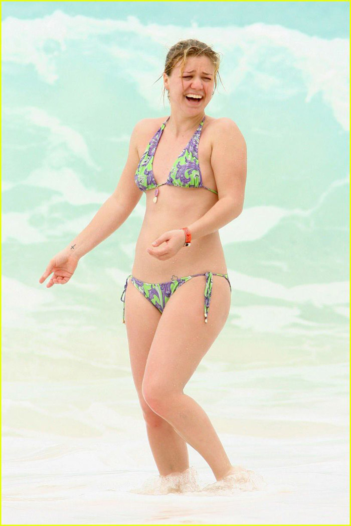 Kelly Clarkson Hot Pictures, Bikini And More (55 Photos)
