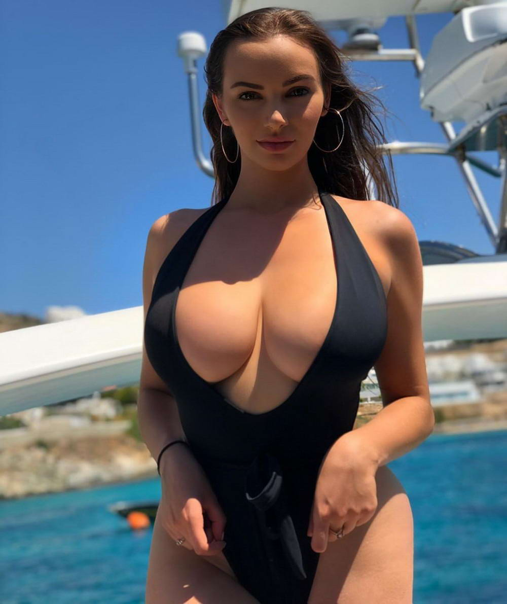 Busty Girls Don't Hide Their Hot Cleavages (39 Photos + 4 GIFs)