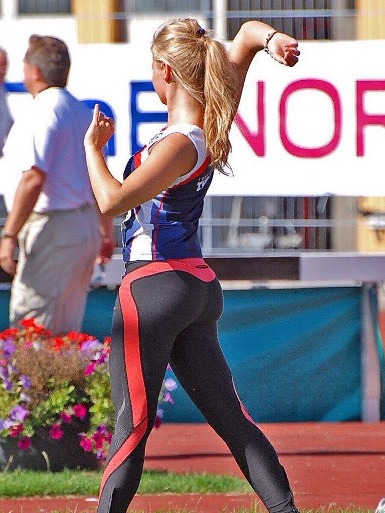 Girls in yoga pants vol 7
