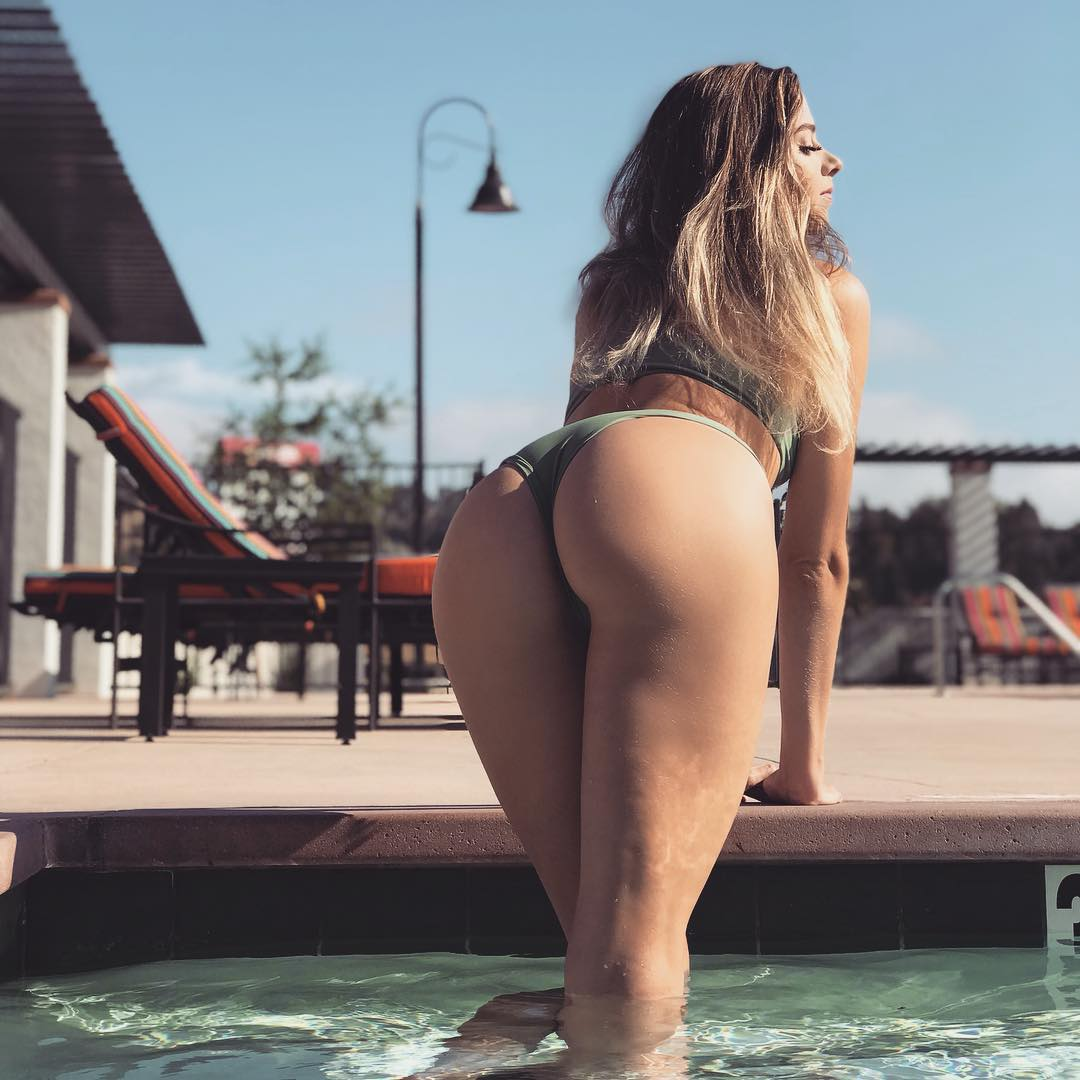 Hot Girls With Sexy Butts (34 Photos)