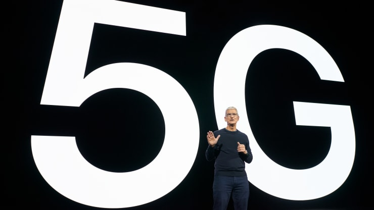Apple's 5G iPhone debut didn't go as planned in the world's biggest 5G market
