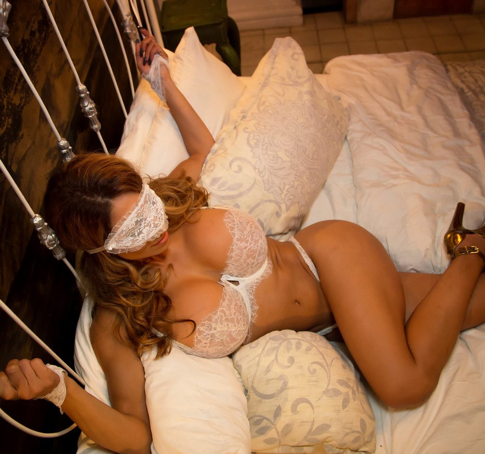 Hot Girls In Sexy Lingerie (50 Photos)